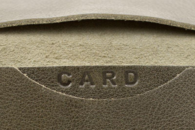 CARDの文字がアクセント