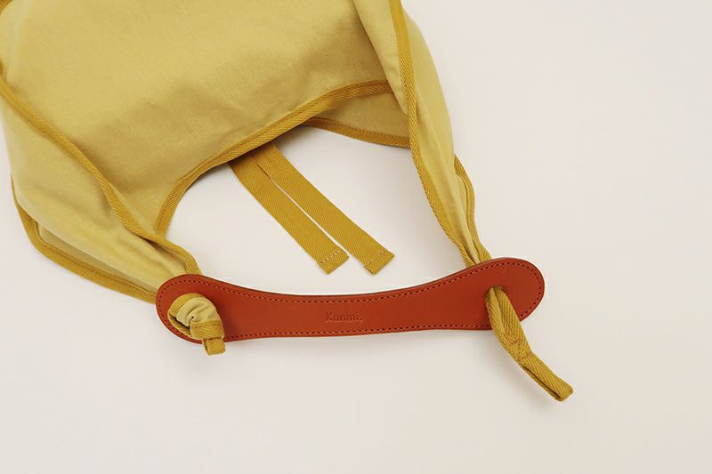 結びで革ハンドルの着せ替えができます